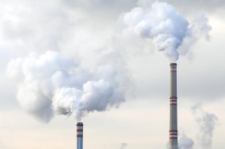 जुर्माना ठोका दोषमुक्त कर दीं प्रदूषण वाहक फैक्ट्रियां