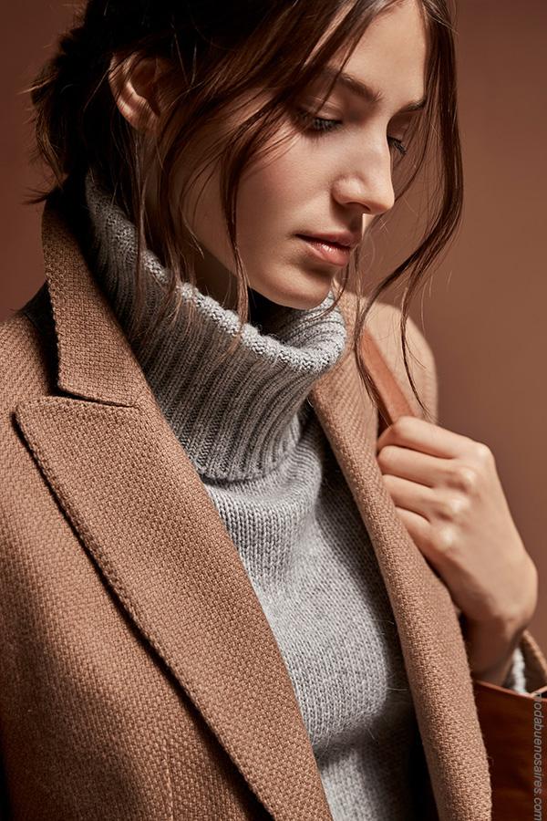 Moda invierno 2017 mujer. Sacos y poleras tejidas de moda invierno 2017.