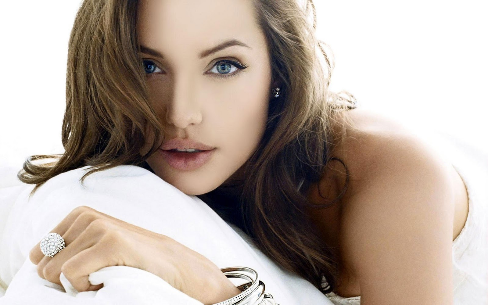 HD Wallpepars: Angelina Jolie HD Wallpapers(4)