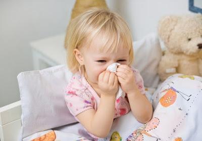 Cách xử trí khi trẻ bị viêm mũi họng vào mùa lạnh