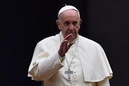 "Paus Fransiskus Minta Kalimat dalam ""Doa Bapa Kami"" Diubah"