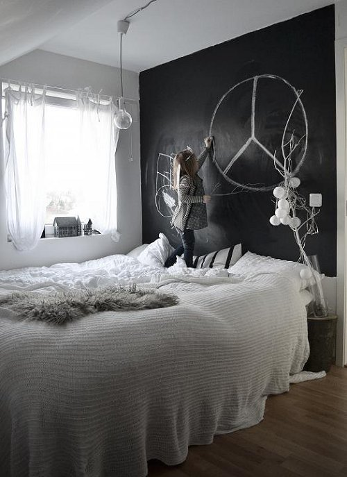 A Chalkboard Wall In The Bedroom