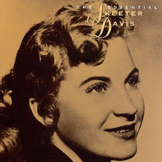 Skeeter Davis - I Can't Stay Mad At You on The Essential Skeeter Davis (1963)