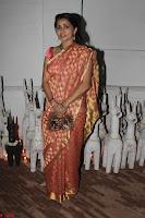 Sonam Kapoor Soha Ali Khan Konkona Sharma at Raw Mango store launch March 2017 034.JPG