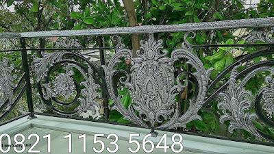 balkon besi tempa mewah untuk rumah mewah antik