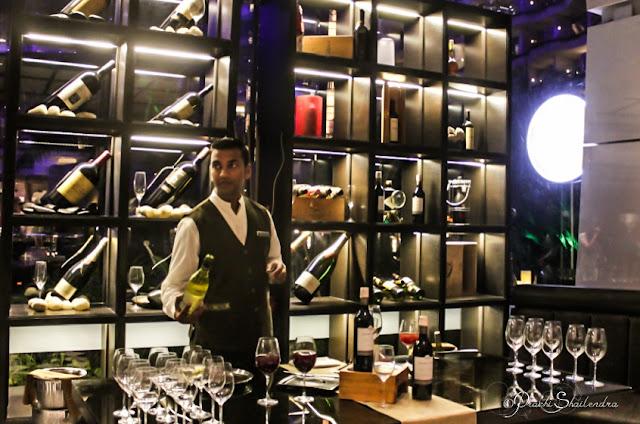 Euro European Restaurant & Bar Hotel Sahara Star