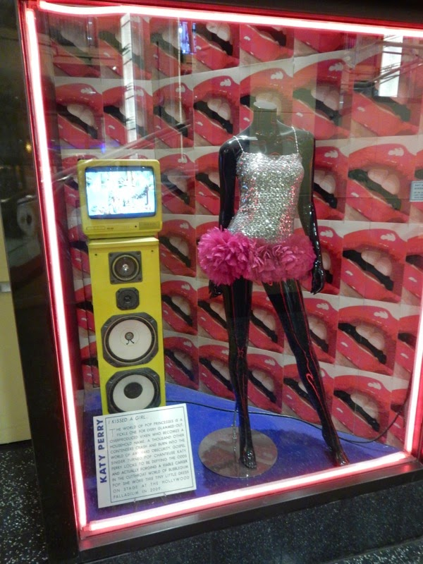 Katy Perry 2009 stage costume