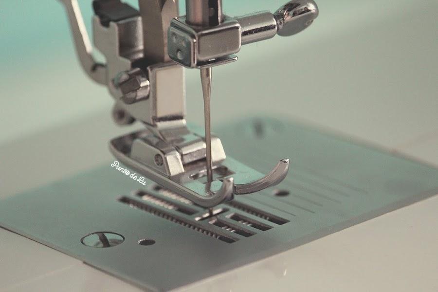 8 trucos para coser el bajo de un pantalón vaquero - Utilizar aguja gruesa