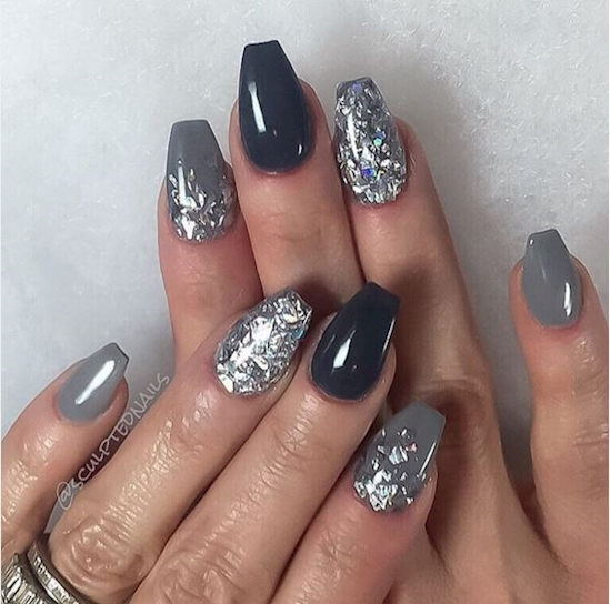 Some Best And Stunning Gray Color Nail Designs That You Never Seen