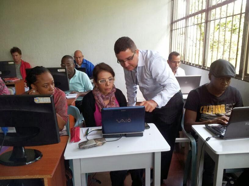 Profesor de Educación en tecnología, electricidad & electrónica