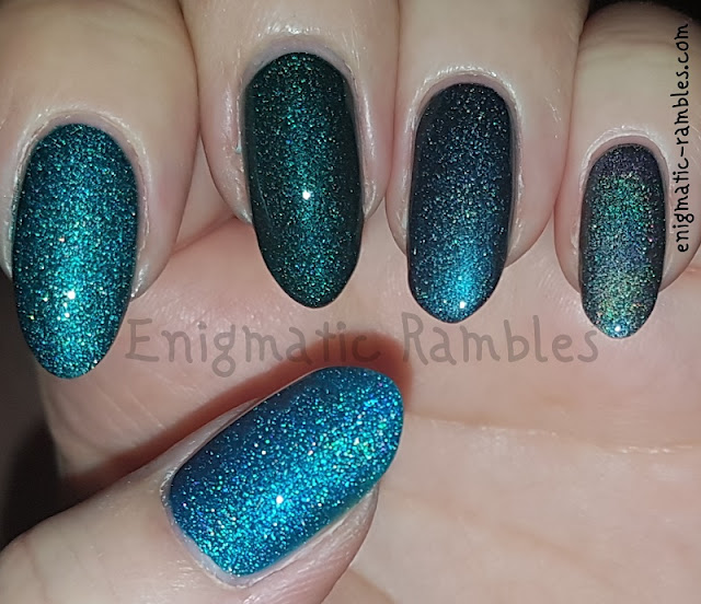 Green-Holo-Skittle-Nails-A-England