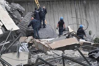 ارتفاع ضحايا انهيار جسر جنوي الإيطالية الي 35 قتيلاً