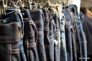 Celana jeans skinny cocok untuk Anda