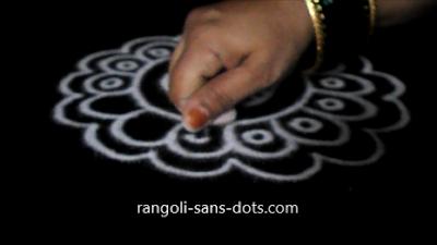 small-free-hand-rangoli-289a.jpg