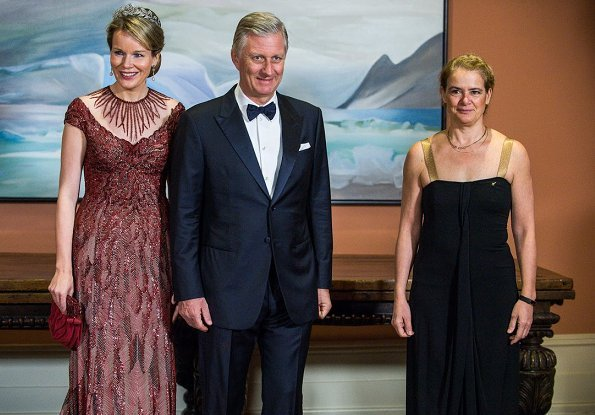 King Philippe and Queen Mathilde attended a state dinner in the Ballroom of Rideau Hall, the official residence of Governor General Julie Payette