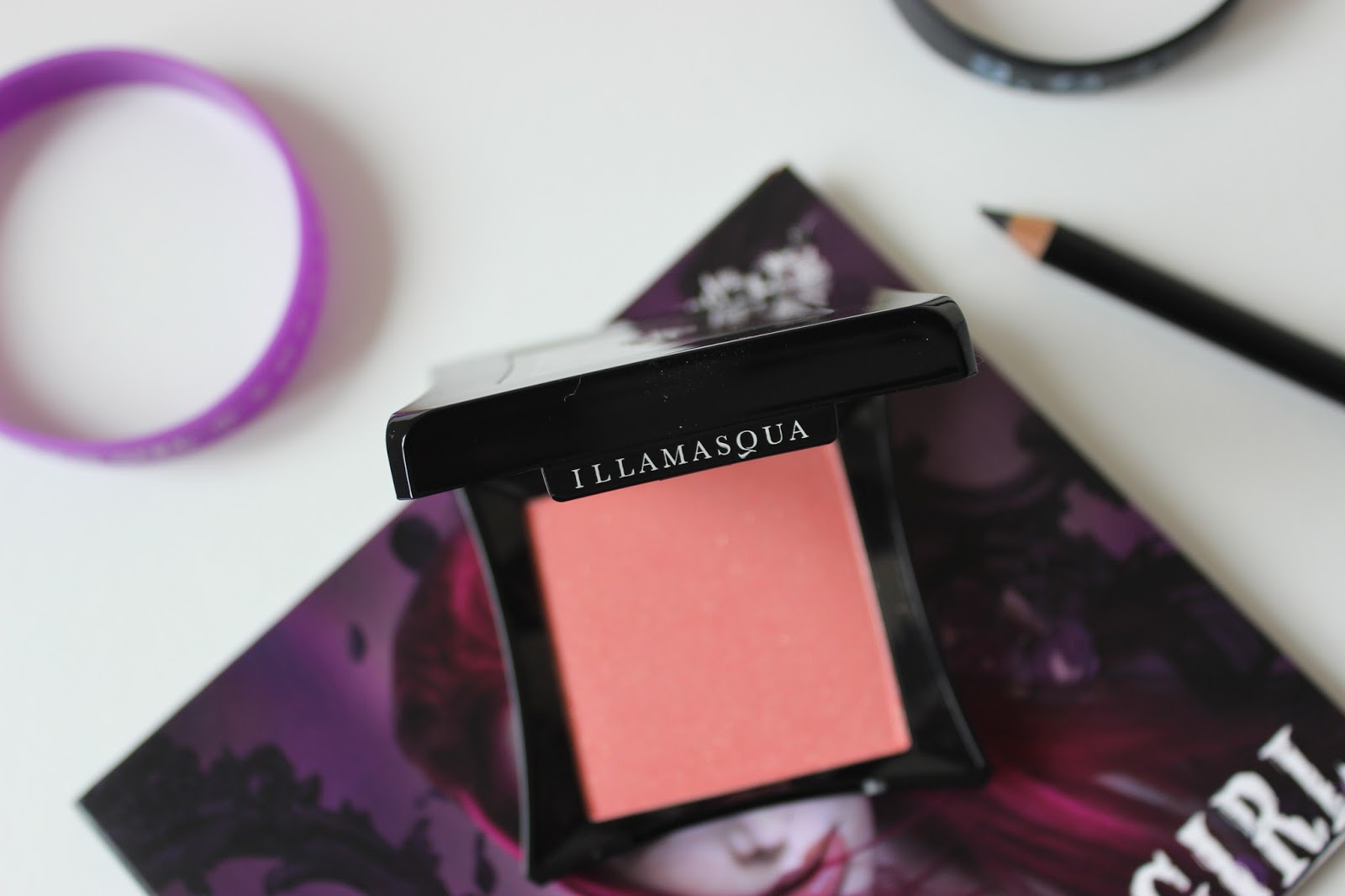 A picture of Illamasqua S.O.P.H.I.E Powder Blusher