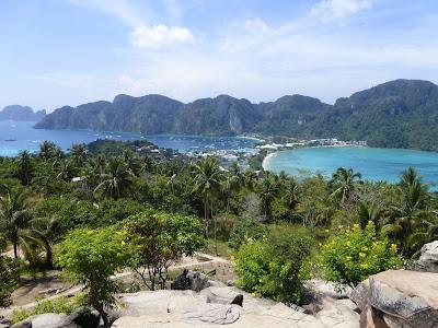 Vista Islas Phi Phi,  Ko Phi Phi, Tailandia, La vuelta al mundo de Asun y Ricardo, vuelta al mundo, round the world, mundoporlibre.com