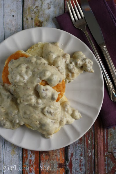 <b>The BEST Biscuits and Gravy</b> (w/ All-Natural Honey Hype Spice)