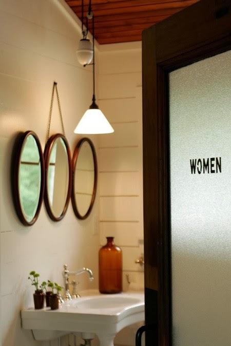 Very To da loos: 12 round bathroom vanity mirrors CL03