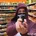 Stadtmitte: Bewaffneter Mann überfällt Supermarkt - Zeugen gesucht!