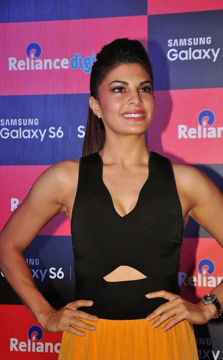 jacqueline fernandez stills at launches samsung galaxy s6 n s6