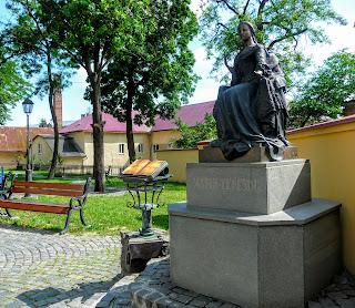 Ужгород. Пам'ятник королеві Марії Терезії