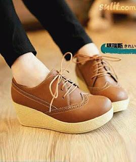 Sepatu man shoes style menjadi model pilihan untuk dipakai ke kampus