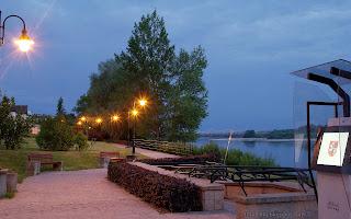 http://fotobabij.blogspot.com/2016/02/puawy-bulwar-wieczor-czerwiec-2015.html