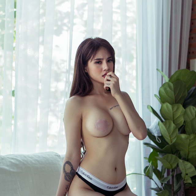Hot Girl Linh Kem khoe cơ thể nóng bỏng