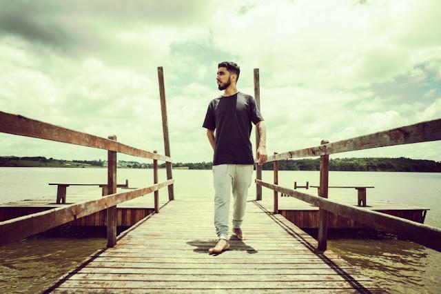 Rashid lança A Coragem da Luz em show em Porto Alegre
