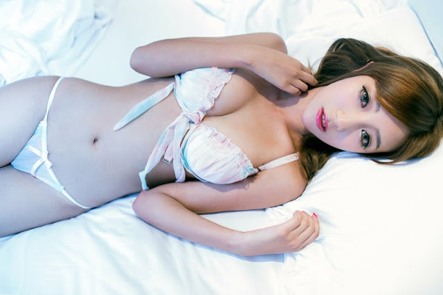 High resolution pictures of nude girls