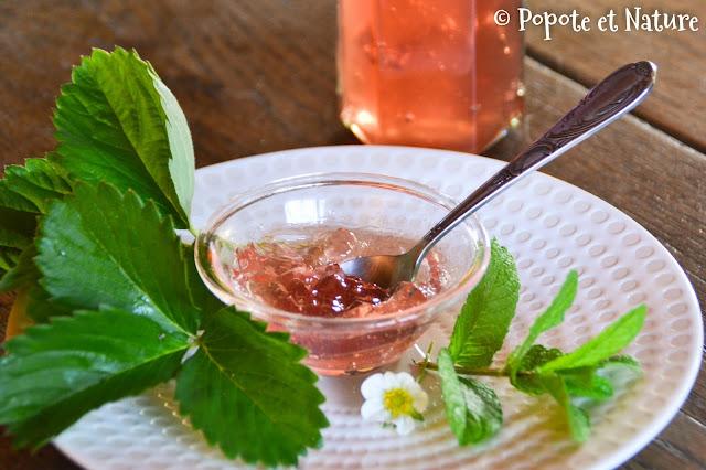 Gelée de queues de fraises et menthe © Popote et Nature