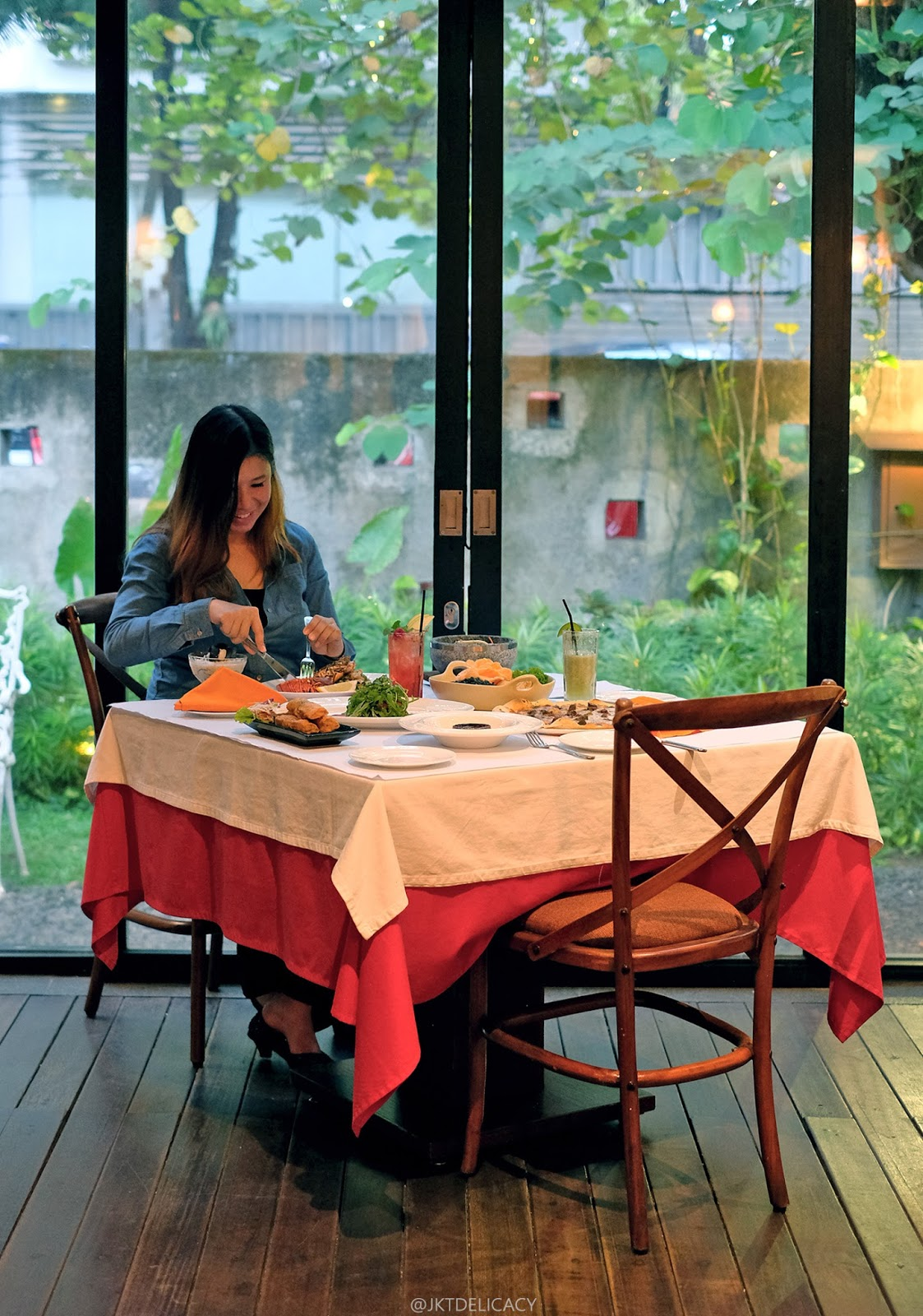 Jktdelicacy Com Romantic Dining At Patio Venue By Plataran