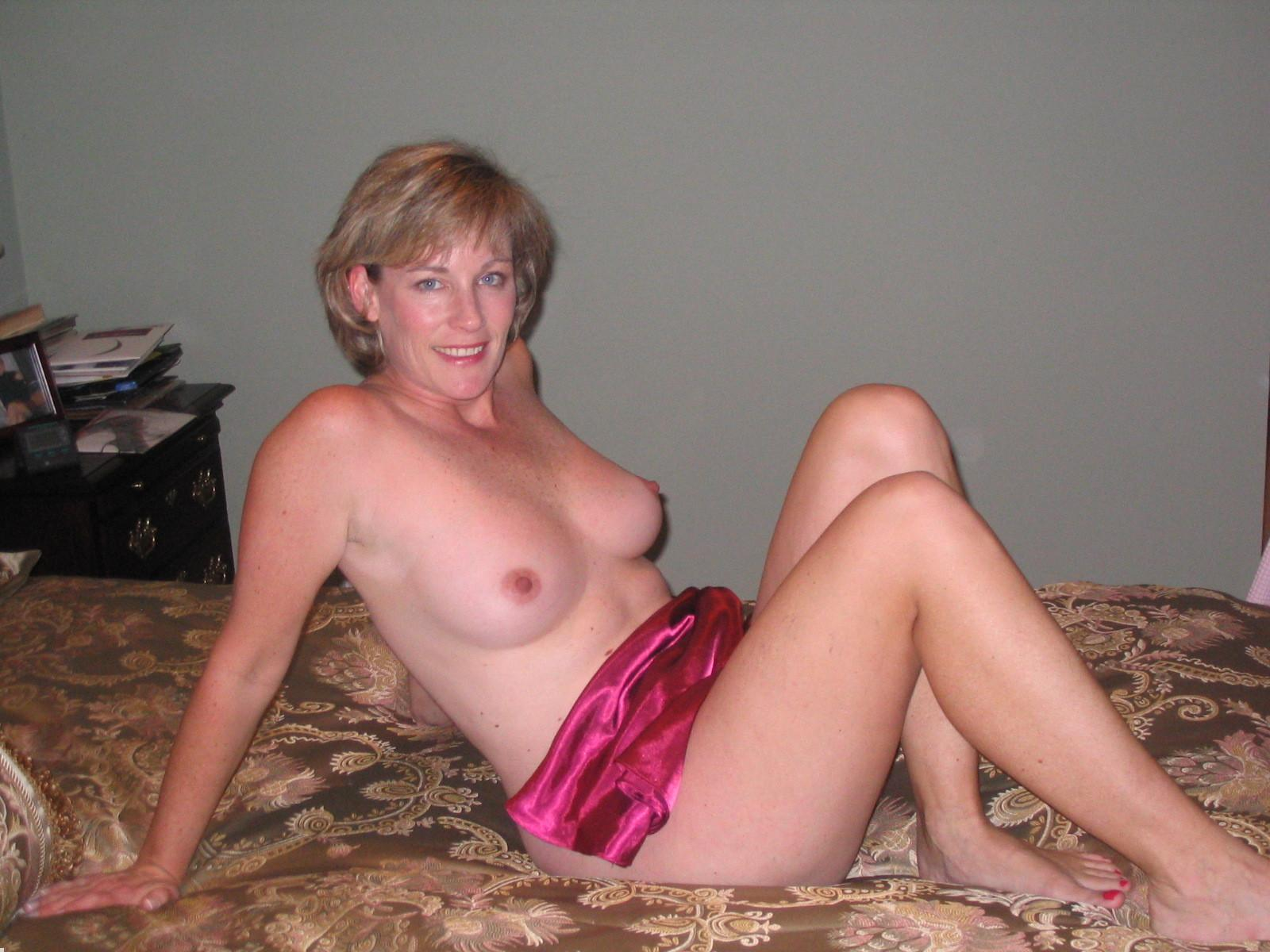 Amatuer blonde hidden milf video
