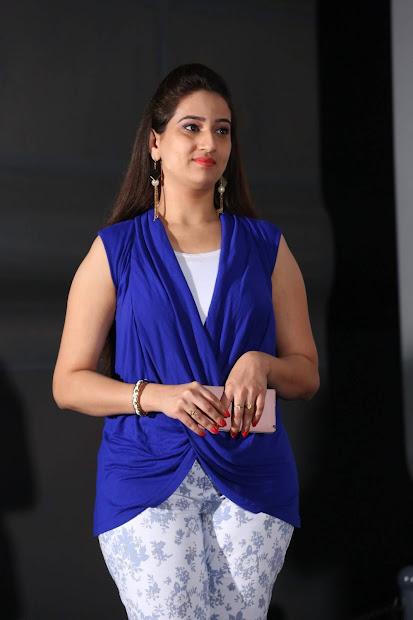 Anchor Manjusha Latest Stills In Blue Top Indian Girls