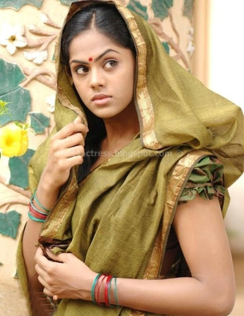 Actress karthika hit image