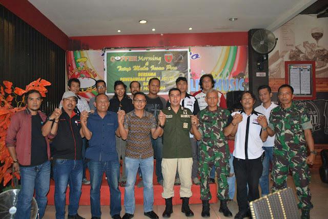 Coffee Morning Mengobati Kerinduan Antara Wartawan dan TNI AD di Gowa