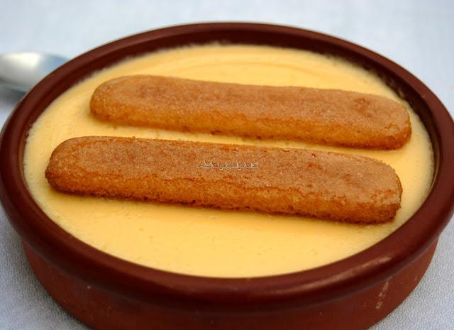 Crema a la Vainilla con Bizcochitos de Saboya (Crema alla Vaniglia con Savoiardi)