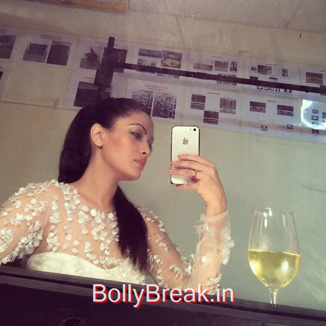 selfie , lakme fas ion week , fashion week , li , lfw ,  backstage , moon , behind the scenes , backstage ,moments runway , ramp ,, Riya Sen Latest Hot Unseen Pics 2015