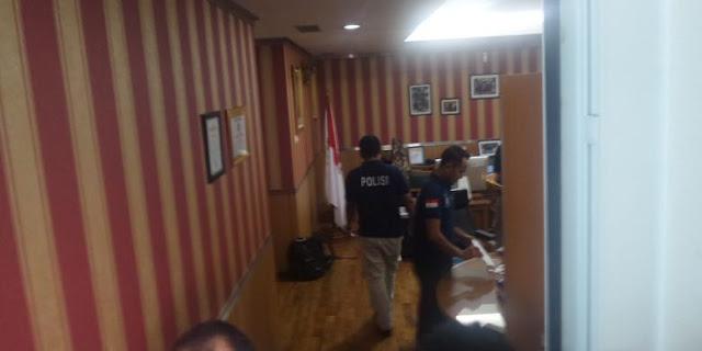 Ruang Ketua DPRD DKI Jakarta di Geledah Penyidik Bareskrim
