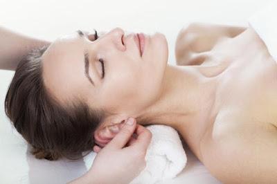 Doanh nhân Phan Đức Linh chia sẻ cách massage tai