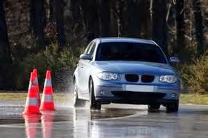 Sekiranya cara mengemudi di jalan menanjak tidak mengunakan kickdown, maka cara dengan cara manual akan lebih efektif