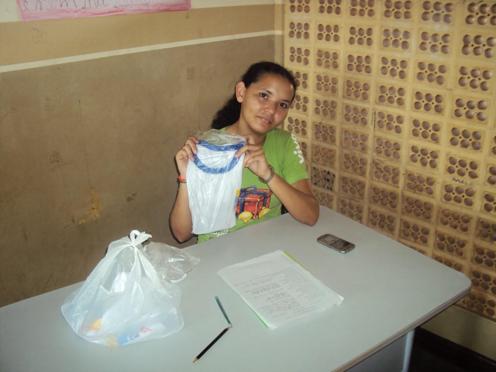Escola Municipal Irmã Leodgard Gausepohl Produções: ESCOLA IRMÃ LEODGARD EDUCANDO PARA A VIDA! : Entrega De