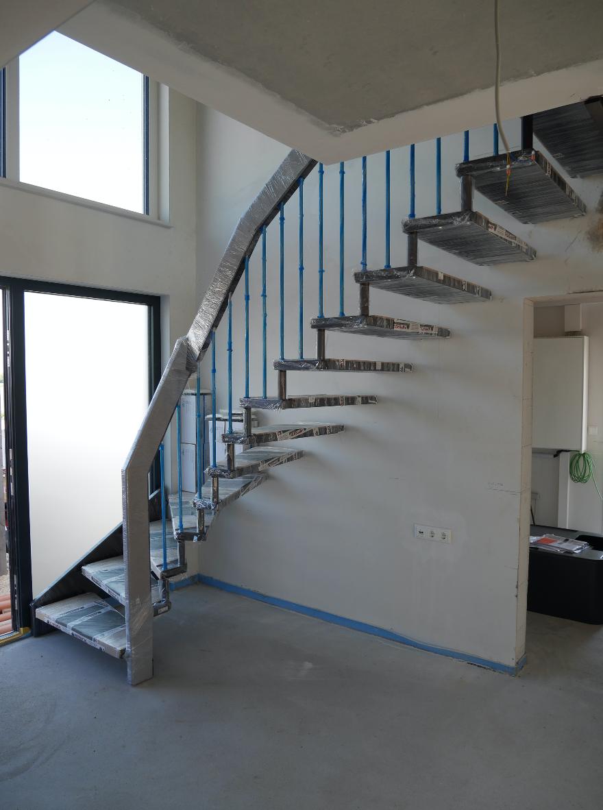 bautagebuch stadtvilla 145 treppe ersetzt leiter. Black Bedroom Furniture Sets. Home Design Ideas
