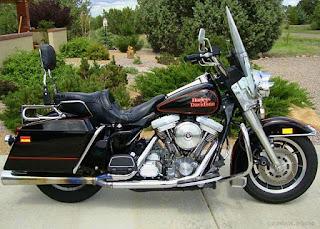 Harley Davidson FLHS Electra Glide Sport motorcycle