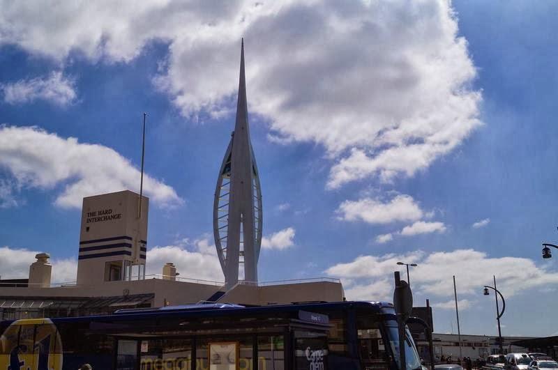 Spinnaker tower, torre Spinnaker, torre de Portsmouth, la torre forma de vela, torres de Inglaterra
