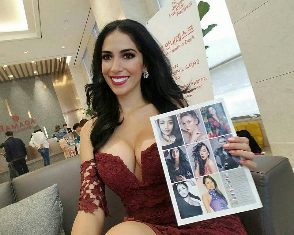 Vanessa Guimoye es Perú en Miss SuperTalent 2017  18158009_192866081233194_7641556137880130419_n