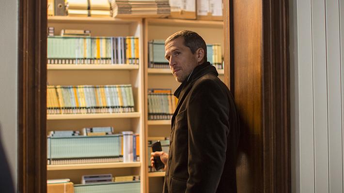 Vidas Duplas: filme de Olivier Assayas aborda os temores da revolução digital no mundo dos livros e a forma como os seres humanos resistem às mudanças | Cinema