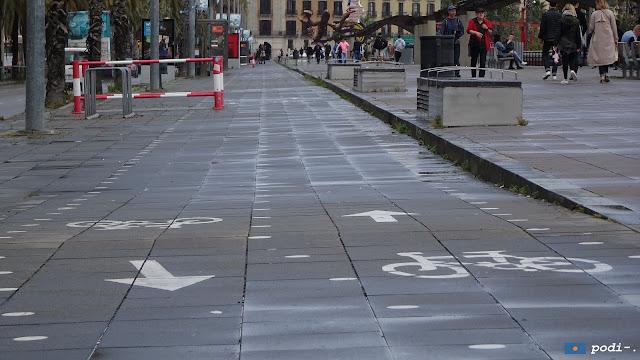 Paseo de Colón, Barcelona, carril bici