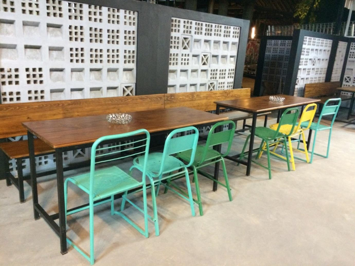 10 Model Kursi Cafe, Kedai Kopi atau Coffee Shop Bertema Vintage